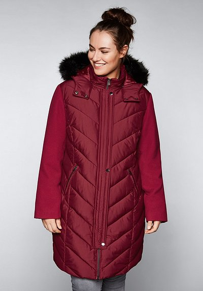 Outdoorjacke mit Fellimitat - bordeaux - 44