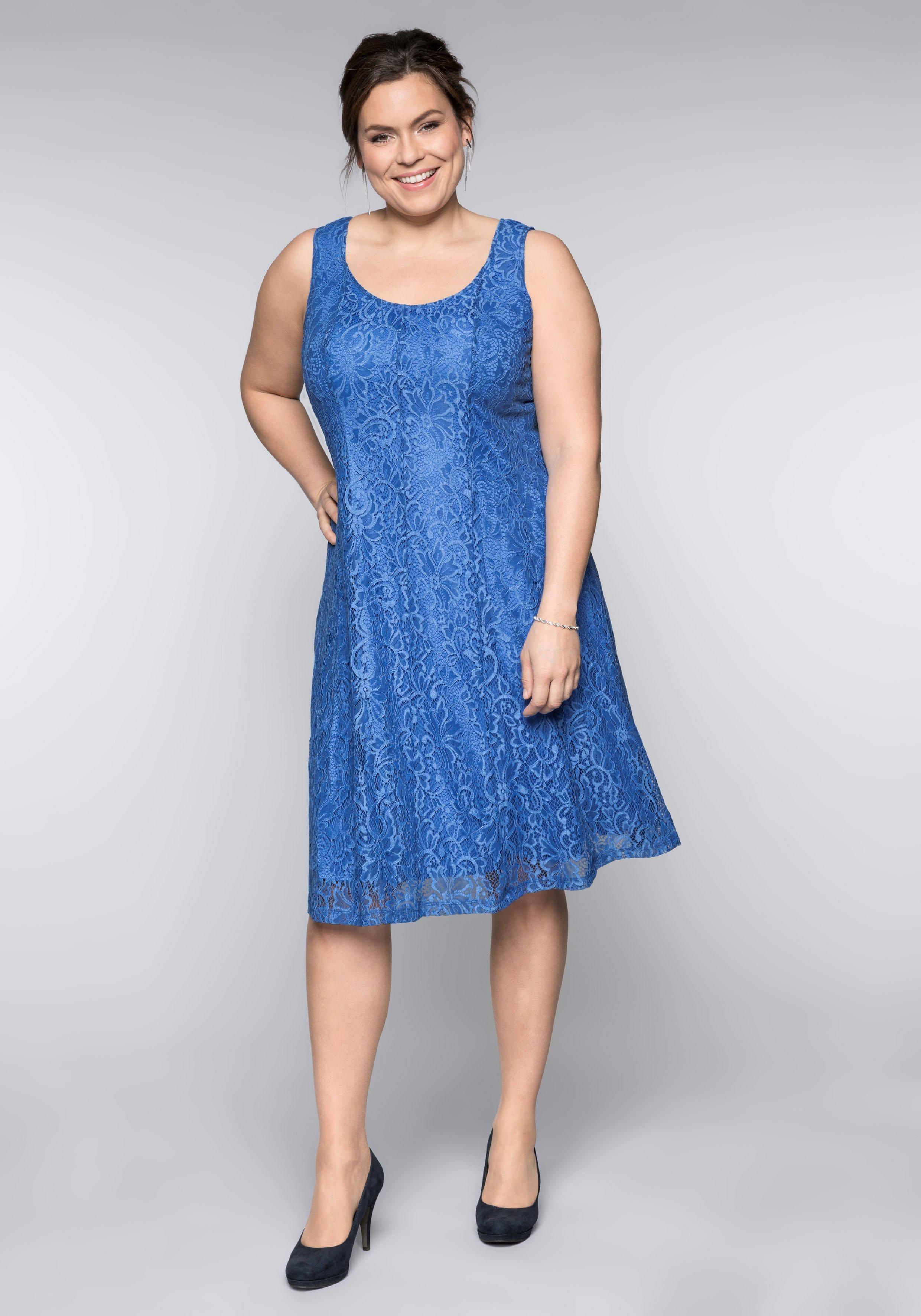 Große Größen: Kleid mit Spitze, azurblau, ...