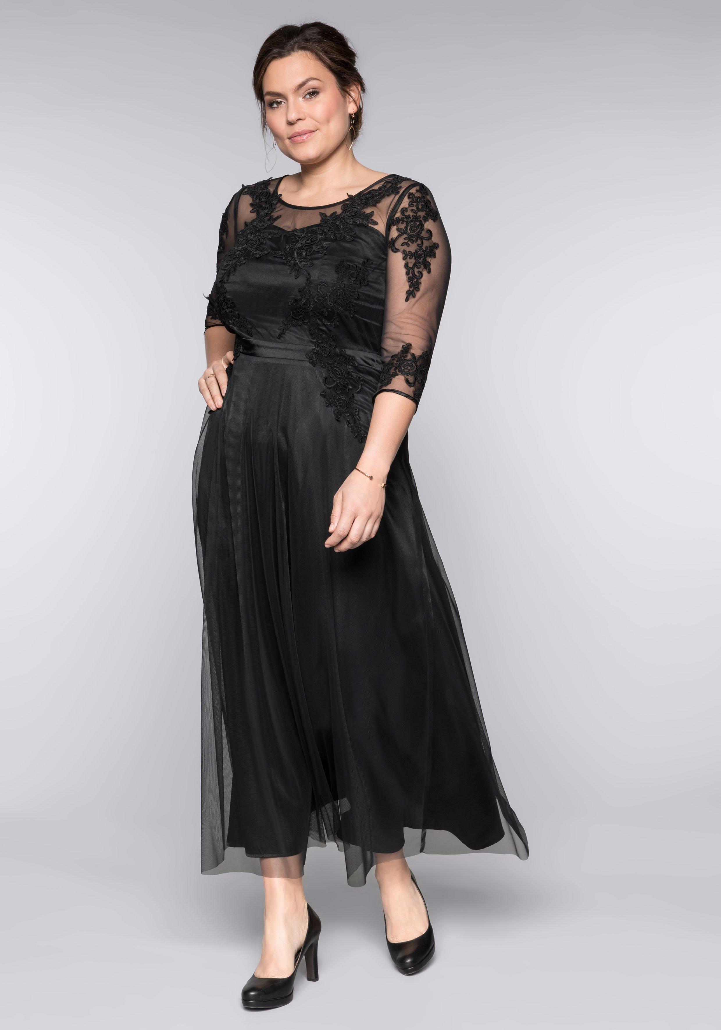 Große Größen: Abendkleid mit Spitzenapplik...